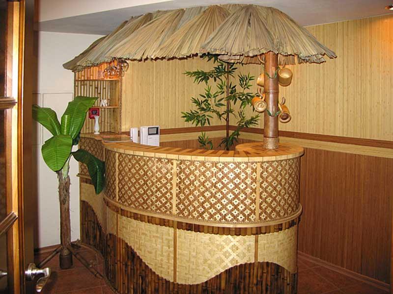 Декоративный навес из пальмового листа