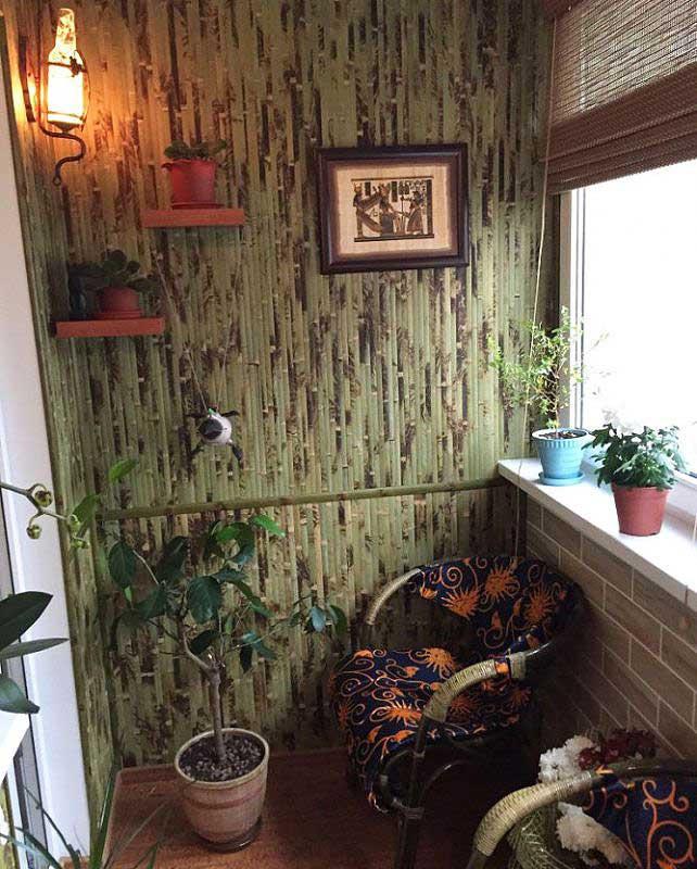 Оформление балкона бамбуковыми обоями