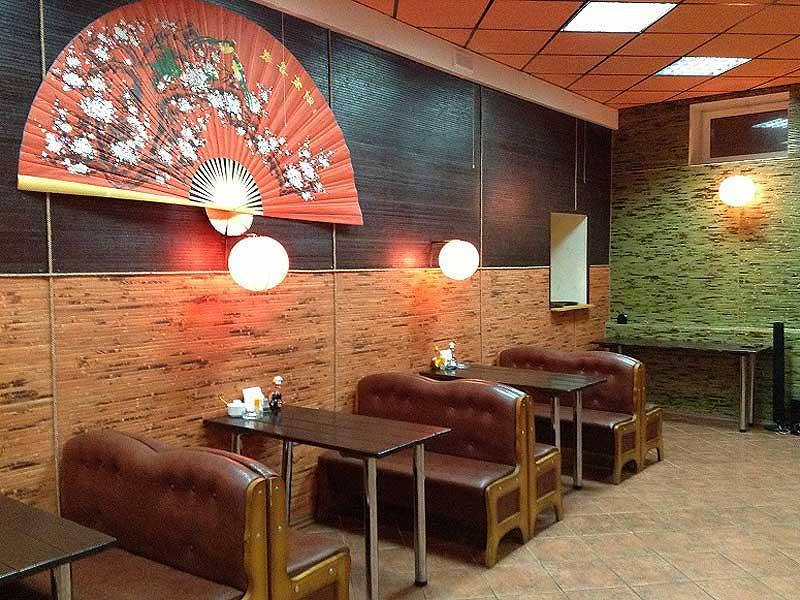 Бамбуковое полотно в интерьере кафе