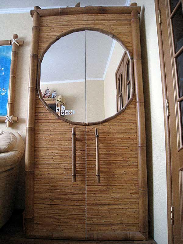 Отделка половинками бамбука и натуральными обоями