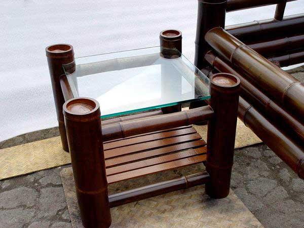 Бамбук в интерьере. Столик из бамбука.