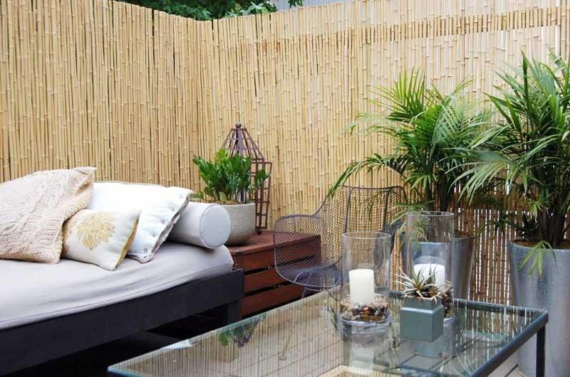 Бамбуковый забор в качестве стены
