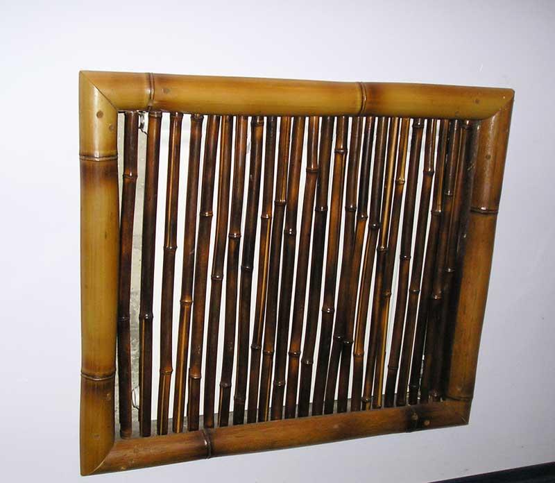 Декоративный экран из половинок бамбука
