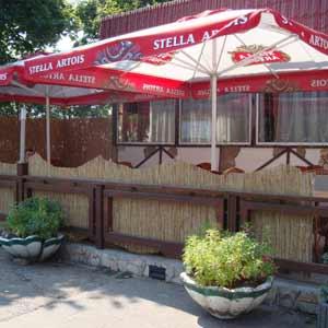 Тростниковые маты  в<br />оформлении летнего кафе