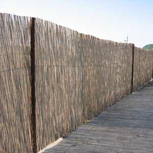 Декоративный забор из<br />тростниковых матов
