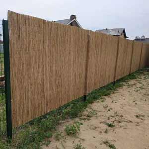 Забор из тростниковых<br />матов