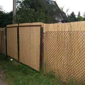 Забор для дачи на рабицу