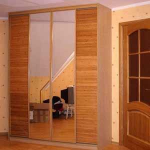 Бамбуковое полотно в оформлении шкаф-купе.