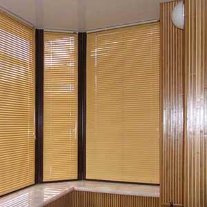 Комбинированные обои из бамбука в интерьере