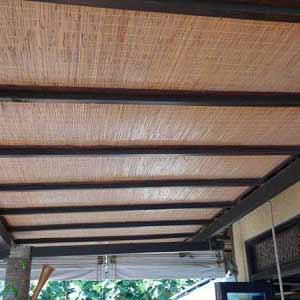 Бамбуковые обои с нитью.<br />Оформление потолка