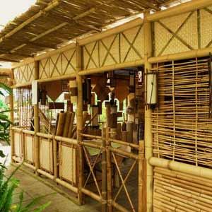 Торговый павильон из<br />бамбука и тростника