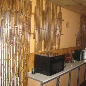 Пример оформления интерьера бамбуком