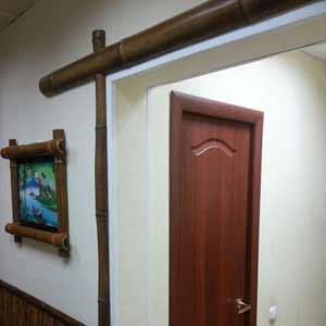 Оформление проёма бамбуком