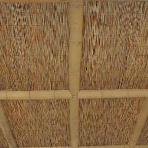 Оформление половинками бамбука